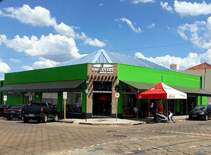 A Calcevest Mega Loja - A Loja da Família Paraguaçuense