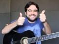 Como tocar três músicas diferentes em apenas uma aula rápida?