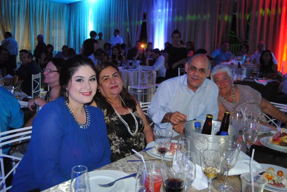 Baile dos Casais anima o PTC, com show de Ricardo Bombarda