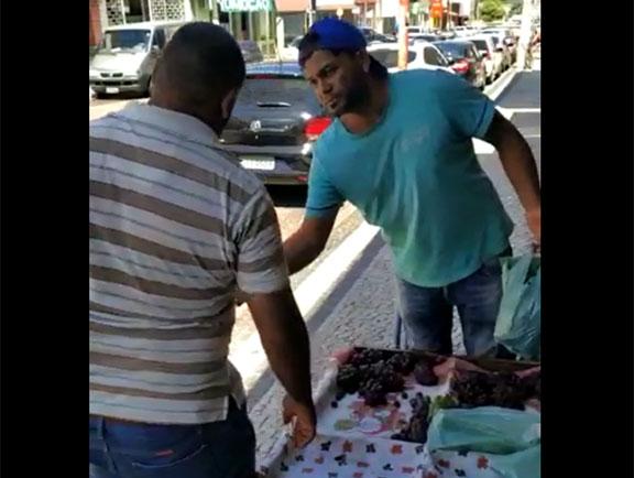 Vendedor ambulante, de Avaré, se recusa a pagar licença e tem produto apreendido