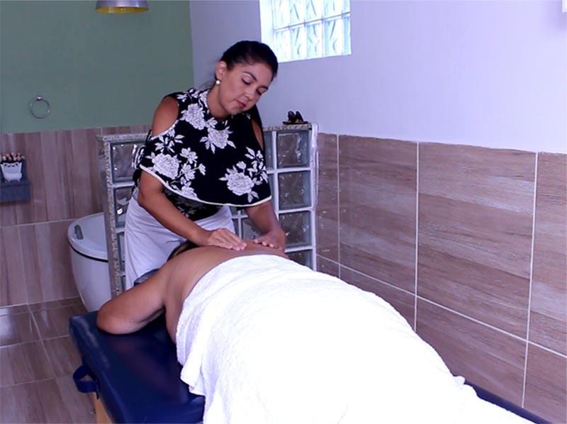'Maison Marie', em Quatá, oferece massagem relaxante para revigorar sua alma