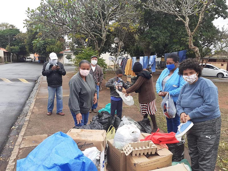 Cerca de 400 pessoas foram atendidas pelo Varal Solidário do Conpepp na Barra Funda