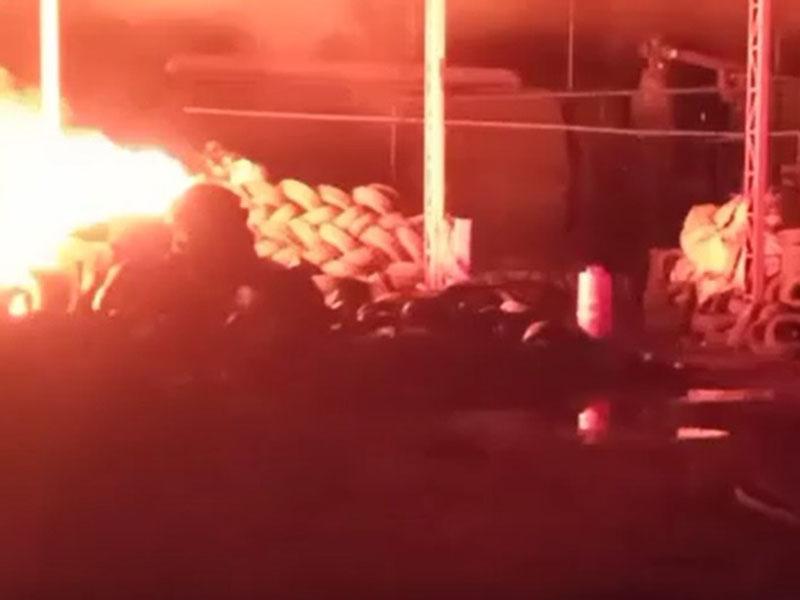 Incêndio destrói empresa de reciclagem de pneus em Assis