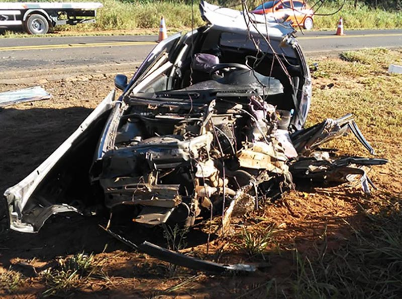 Colisão frontal deixa uma vítima fatal na SP-457, em Rancharia