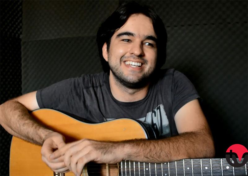 Tiago Abreu ensina a tocar a música Ben, de Jackson 5
