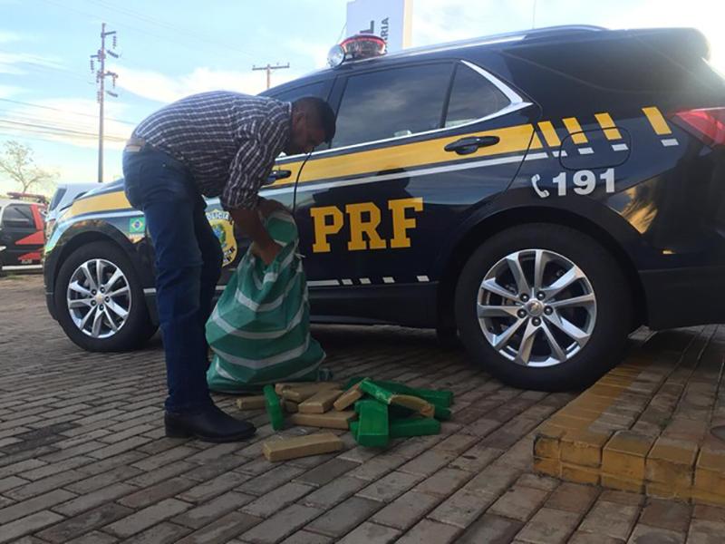 Jovem é preso com carro recheado de drogas em Ourinhos