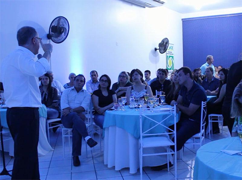 Palestra sobre mercado na ACE reúne empresários de Paraguaçu Paulista