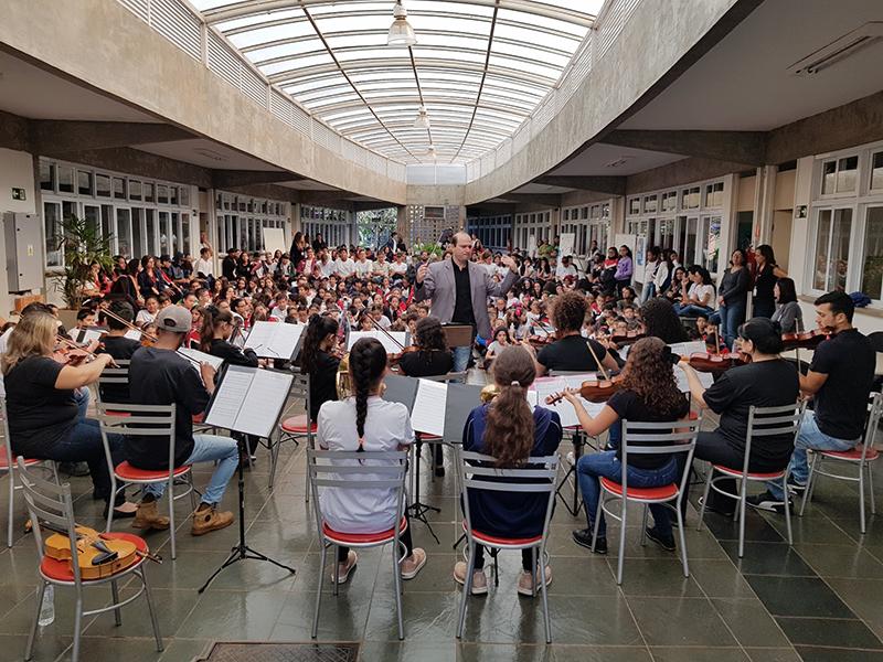 Orquestra Jovem de Paraguaçu Paulista realiza concerto na Escola Sesi