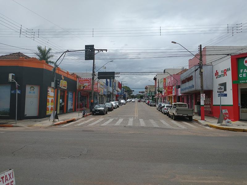 Fechado há uma semana, comércio de Paraguaçu sofre com a Fase Vermelha