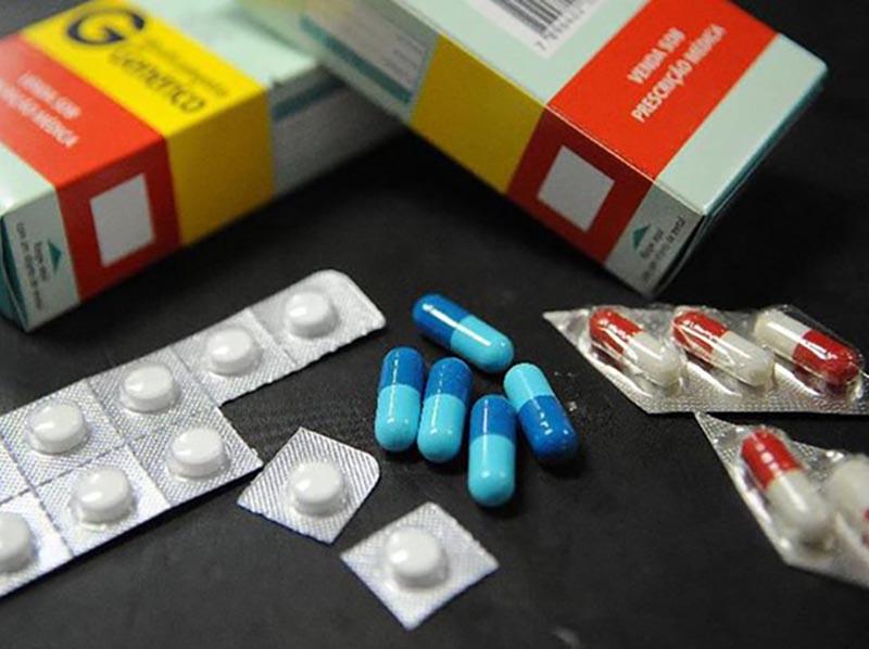 Covid-19: farmacêuticas levam multa por vender remédio acima do preço