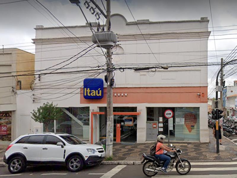 Suspeita de Covid em funcionária provoca interdição da agência do banco Itaú