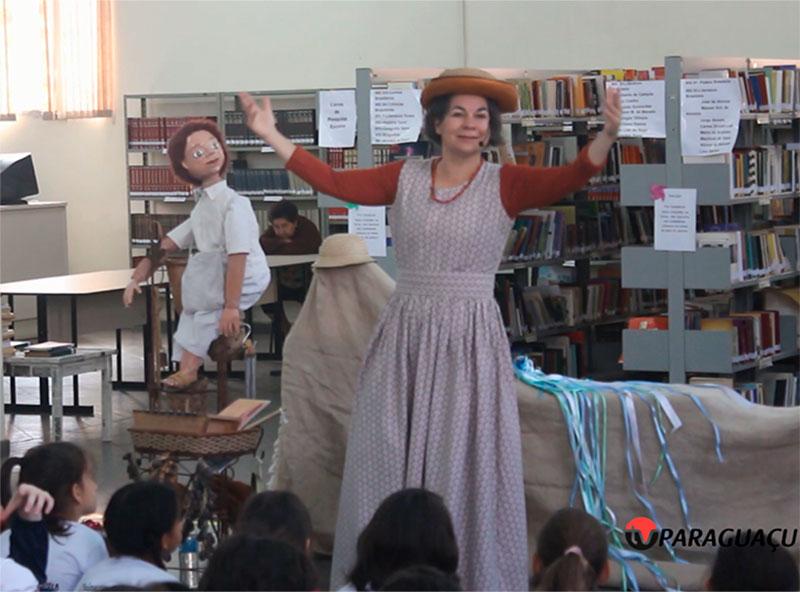 Tininha Calazans encanta crianças e adultos durante Contação de Histórias em Paraguaçu