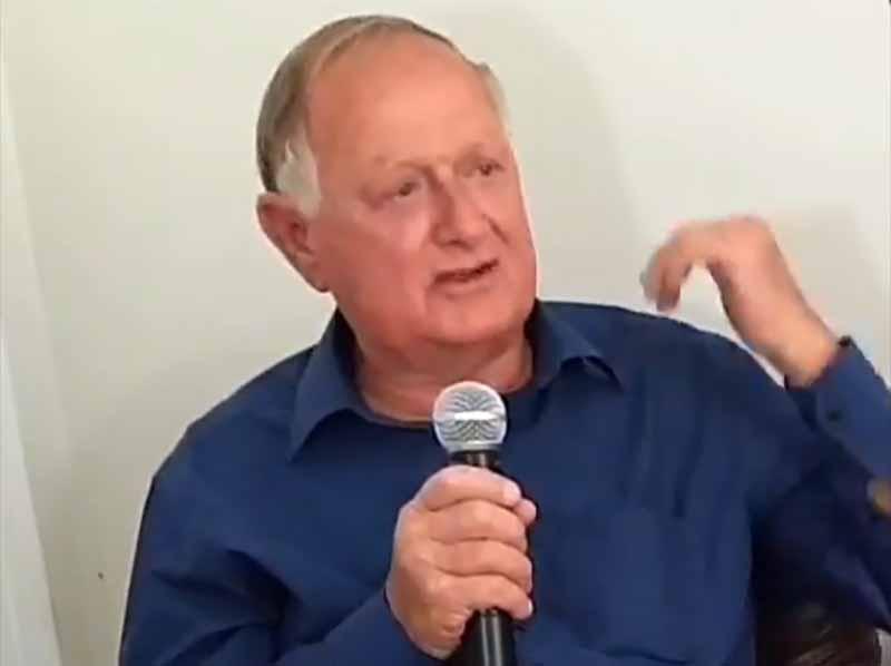 Entrevista com o Pré-candidato a Prefeito Carlos Azoia