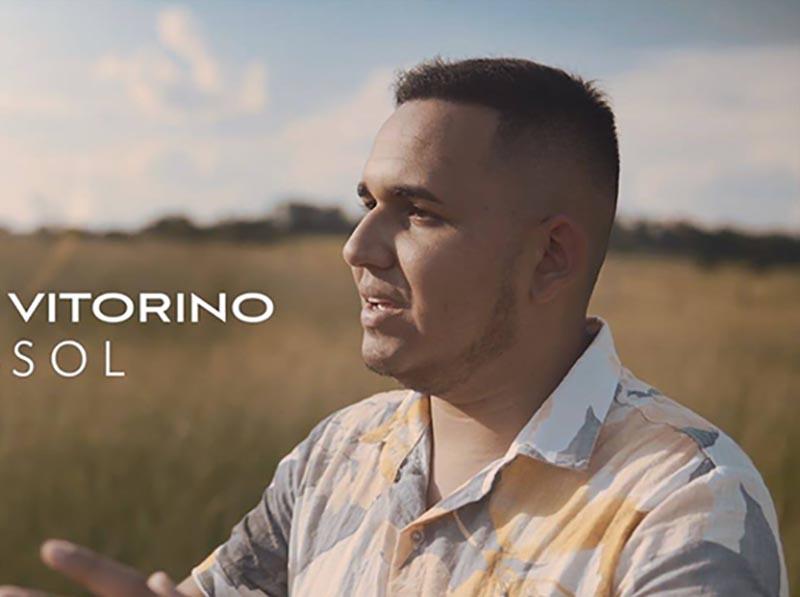 Jovem paraguaçuense lança clipe da música Girassol