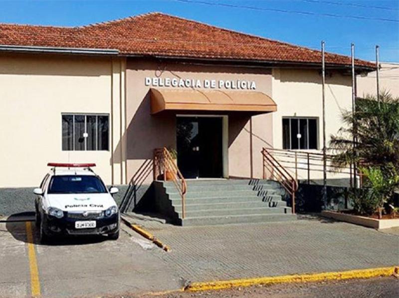 Dupla é suspeita de furtar mais de R$ 3 mil de loja de móveis em Quatá