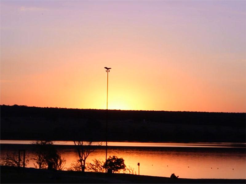 Sempre tem um pôr-do-sol esperando para ser visto! Grande Lago de Paraguaçu Paulista