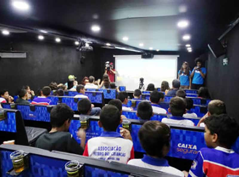 Paraguaçu recebe carreta com sessões gratuitas de cinema