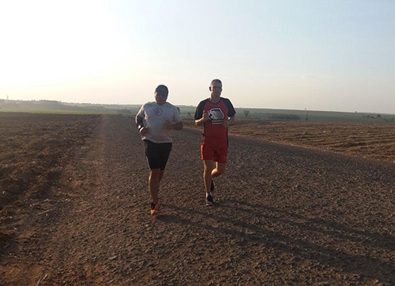 Paraguaçuenses partem para disputa da Ultra Maratona Maresias-Bertioga