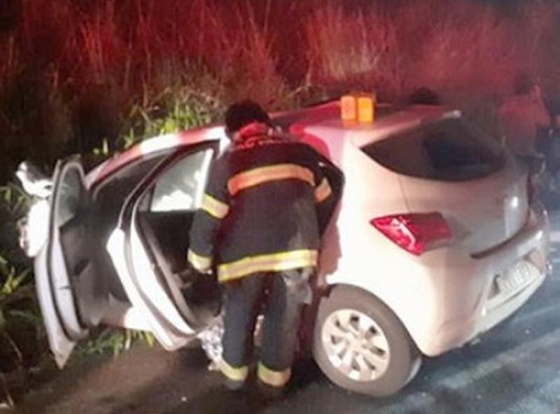 Casal morre carbonizado após batida frontal entre carros na SP-294, em Parapuã