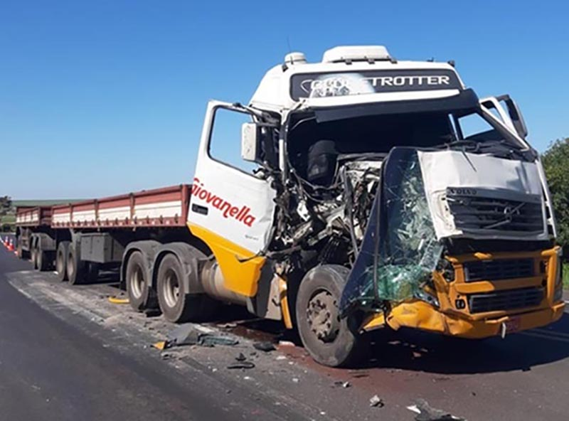 Motorista sai ileso de acidente próximo ao trevo de Quatá