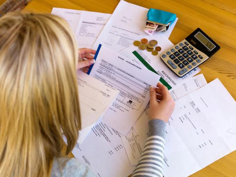 Cresce o número de famílias com dívidas em atraso