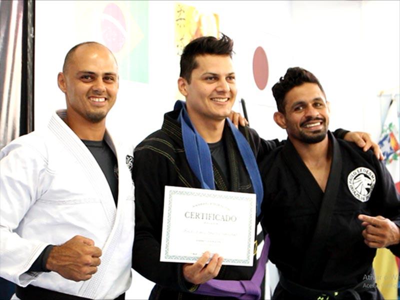 Projeto Social Guerreiros do Bem realiza graduação de atletas de jiu jitsu