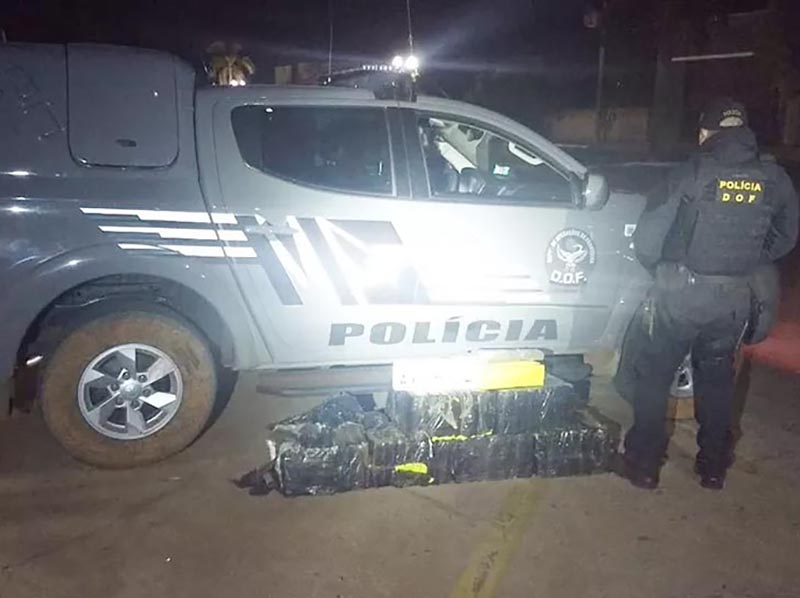 Motorista de prefeitura é exonerado após ser flagrado com 130 quilos de maconha em carro oficial
