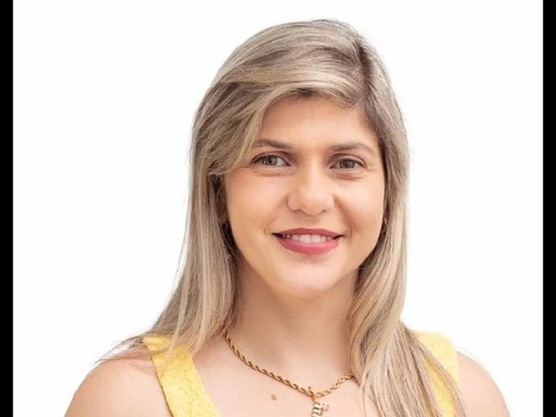 Após 12 anos sem uma mulher na Câmara, Quatá elege Eliana Casaca como vereadora com recorde de votos