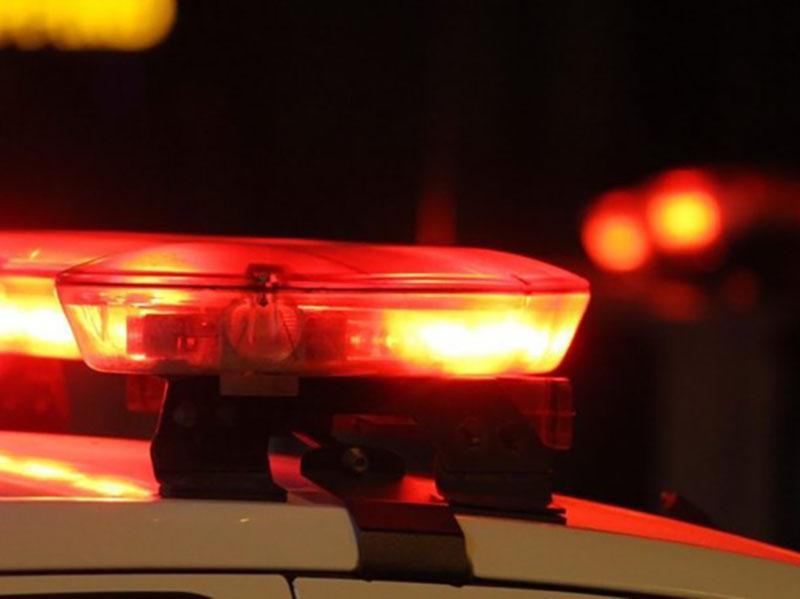 Homem é preso ao ameaçar matar filha de 4 meses com faca em Cândido Mota