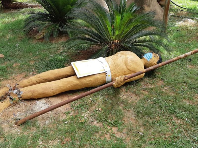 Estátua em homenagem à cultura indígena é alvo de vandalismo em Tupã