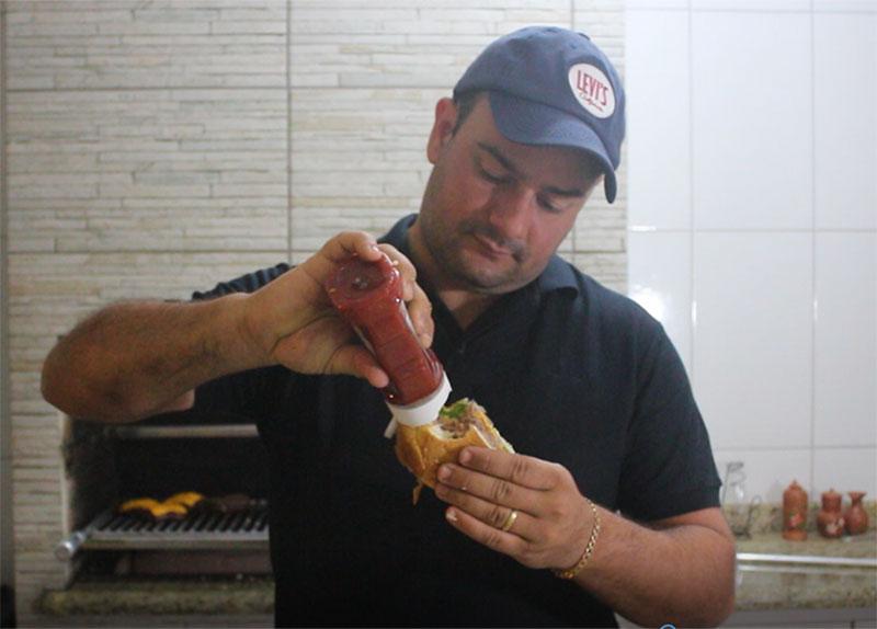 Hambúrguer de Costela é a receita da semana no Buteco do Neto