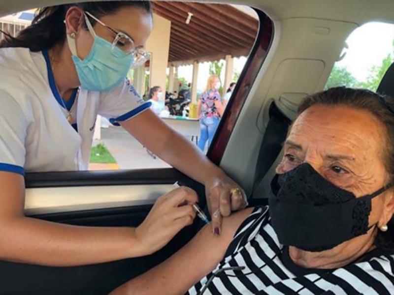 Nesta sexta (23) tem aplicação de segunda dose de vacina contra COVID para idosos de 69 a 71 anos