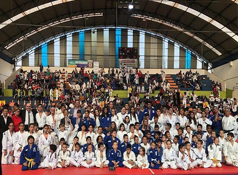 Com a presença de 600 atletas, 6° Torneio de Judô Isaburo Suto é sucesso