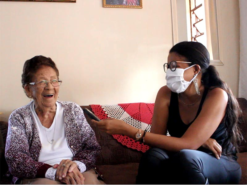 Conheça a dona Domingas, que acaba de completar 100 anos