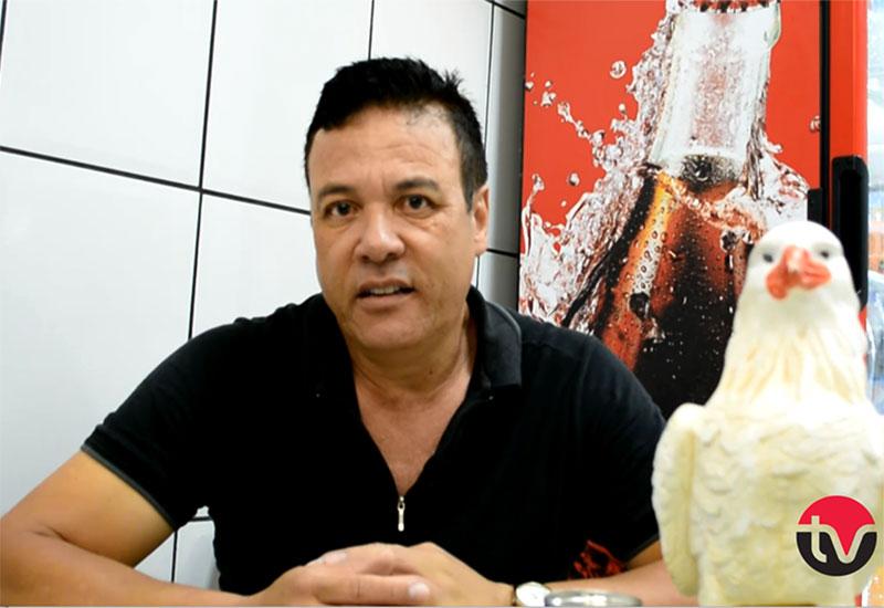 Escritor paraguaçuense leva literatura para bares e lanchonetes