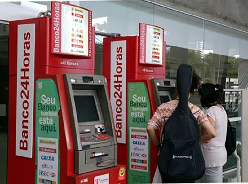 Bancos são orientados a disponibilizar álcool gel para os clientes em Paraguaçu