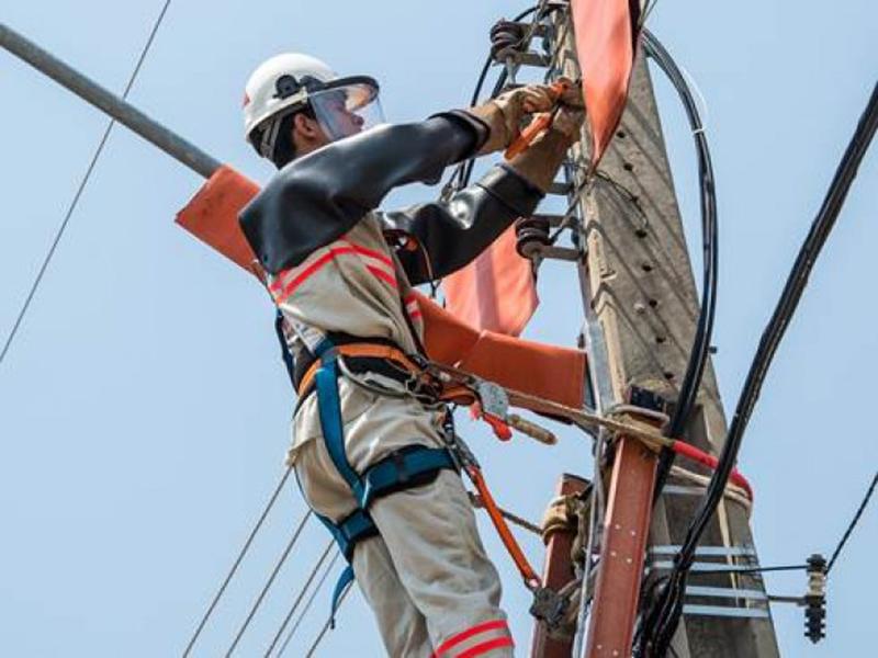 Empresa de Energia oferece vagas para eletricistas de distribuição