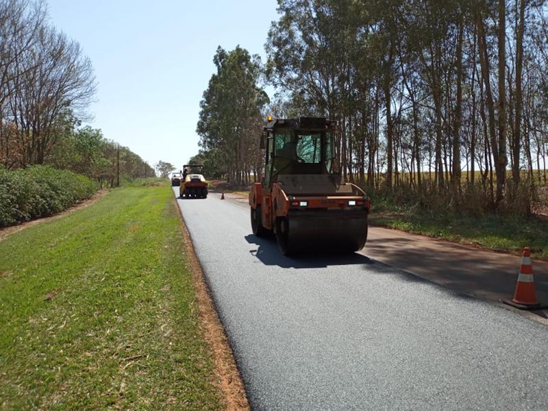 Eixo SP recupera pavimento em Paraguaçu e Quatá