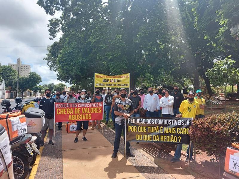 Motociclistas protestam contra preços dos combustíveis em Tupã