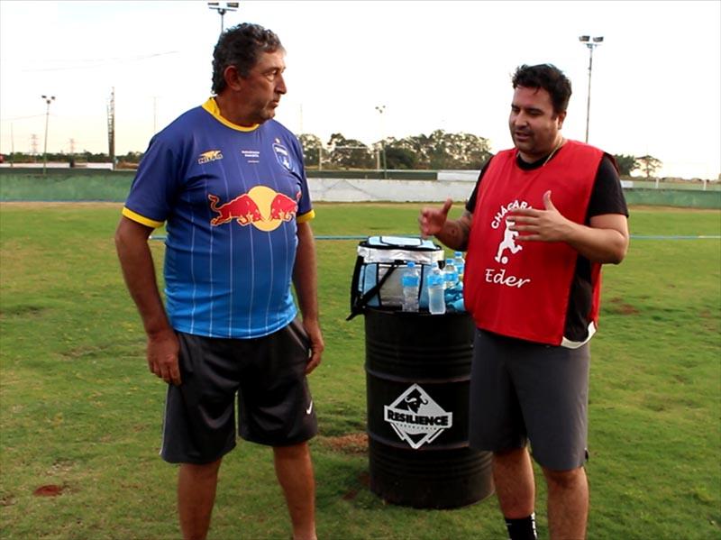 Caio Brás desafia Timbó, a lenda paraguaçuense do futebol