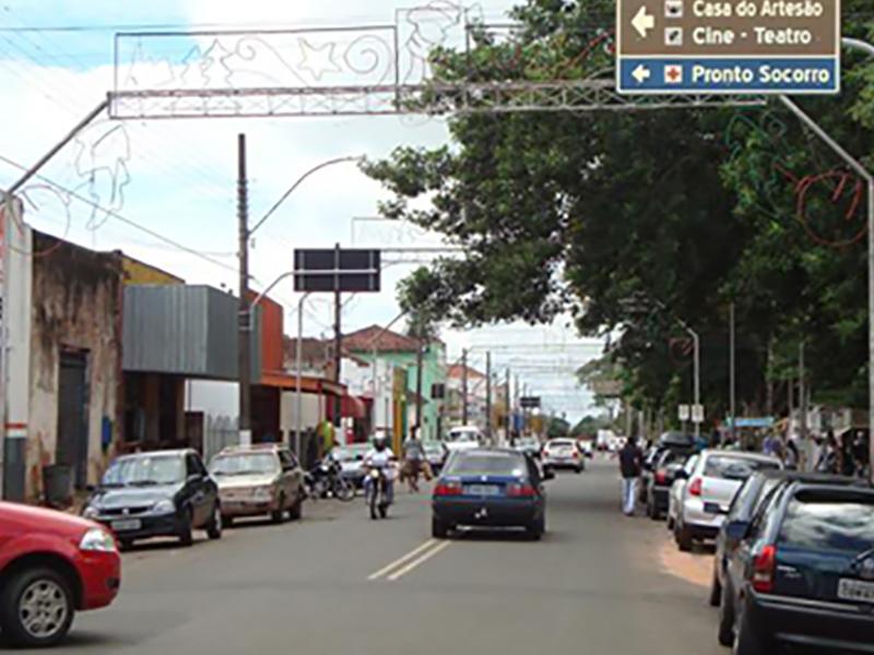 Comércio de Paraguaçu atende até as 15h neste sábado