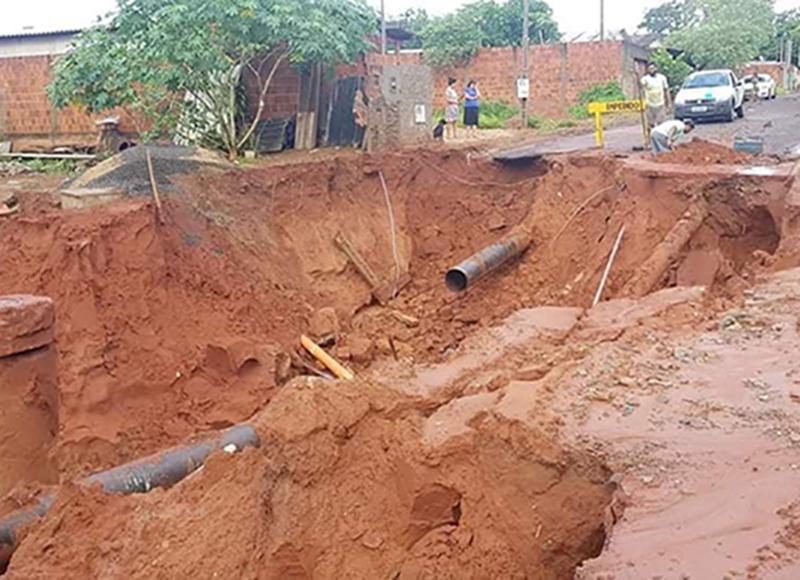 Rompimento de tubulação deixa Paraguaçu Paulista sem água