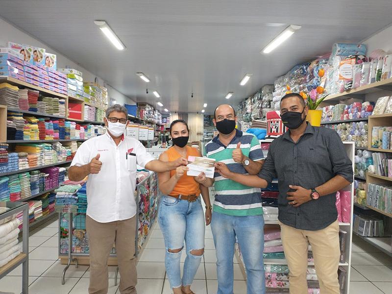 Associação Comercial entrega prêmios para os sorteados na Promoção Sou Mais Paraguaçu