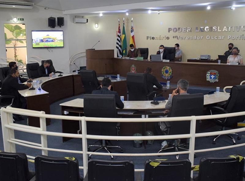 Câmara aprova projetos da Prefeita Almira Garms e da Mesa Diretora