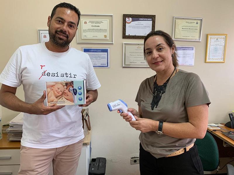Associação Comercial faz doação de dois termômetros infravermelhos ao Departamento de Saúde