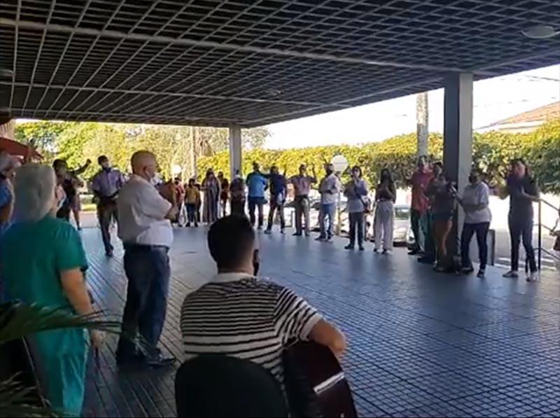 Igrejas evangélicas de Paraguaçu Paulista realizam oração na Santa Casa
