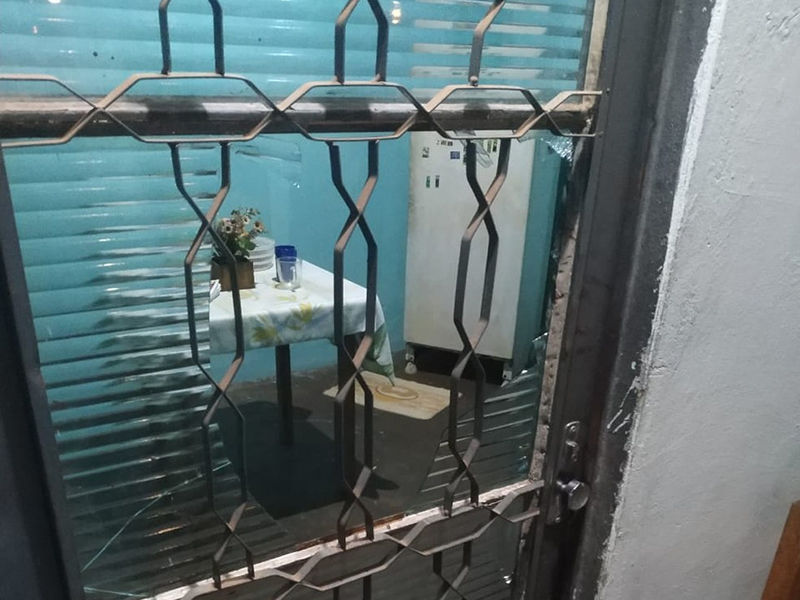 Homem soca porta de vidro para não agredir esposa e fica gravemente ferido em Martinópolis