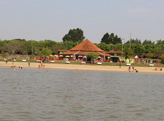Calor aumenta procura em rios e balneários e eleva riscos de afogamentos