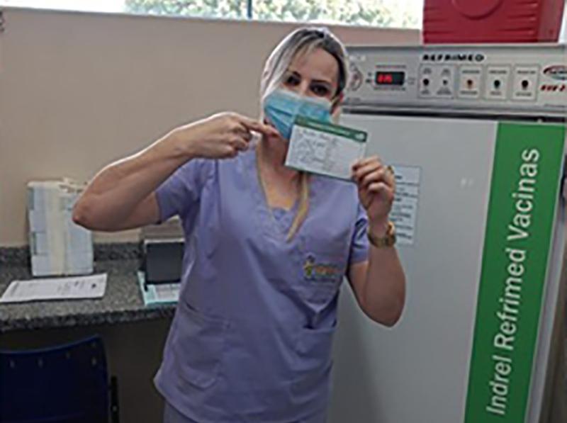 Com 17 doses, menor cidade de SP vacina 40% dos profissionais de saúde contra a Covid