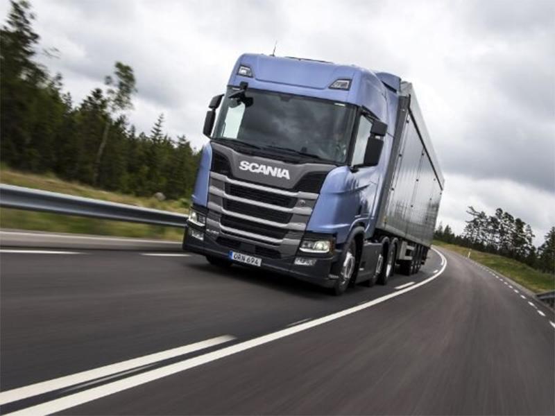 Governo Federal anuncia apoio para 750 mil caminhoneiros comprarem diesel